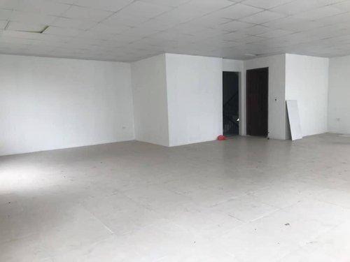 Cho thuê nhà lô góc mặt phố Vũ Trọng Phụng, DT 120m2, 2 tầng, mặt tiền 12m, giá 35 triệu/tháng.