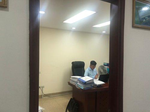 cho thuê căn hộ tại Phòng 302, Tầng 3, Tòa C, 275 Nguyễn Trãi, DT 111m2, Giá 15tr./th LH 0944111816