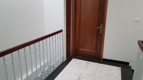 Cho thuê toà nhà đường Nguyễn Văn Huyên: DT 75m2, 7T - thang máy tốc độ cao.