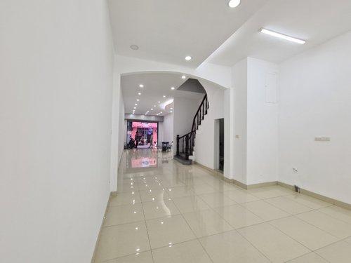 Cho thuê nhà riêng đường Nguyễn Ngọc Vũ giá thỏa thuận: DT85m2, 5 tầng, MT5.5m